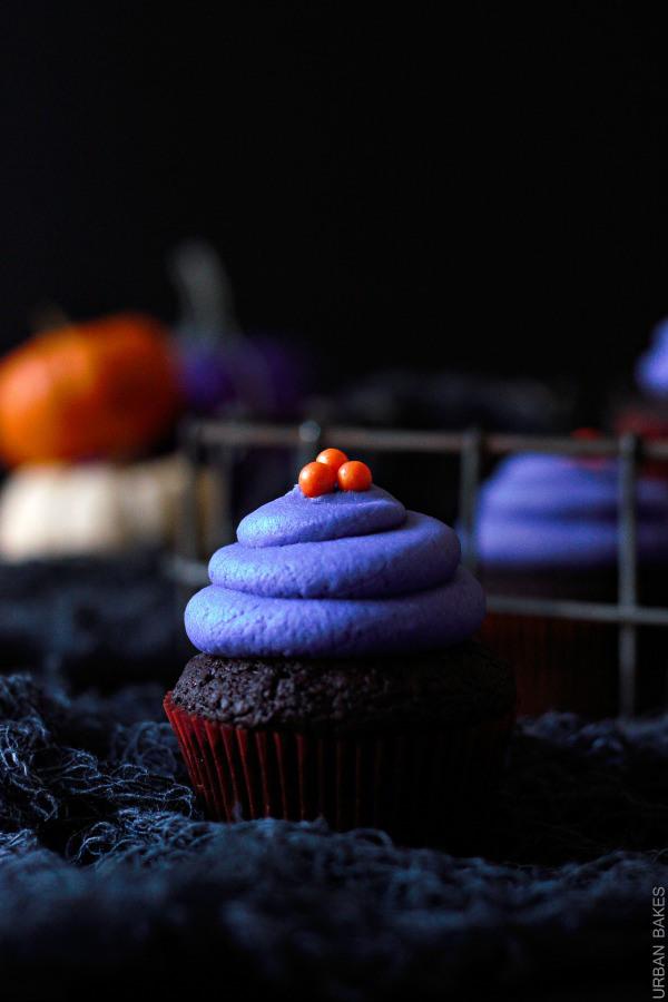 Halloween-Vegan-Chocolate-Cupcakes-urbanbakes.com-4.1