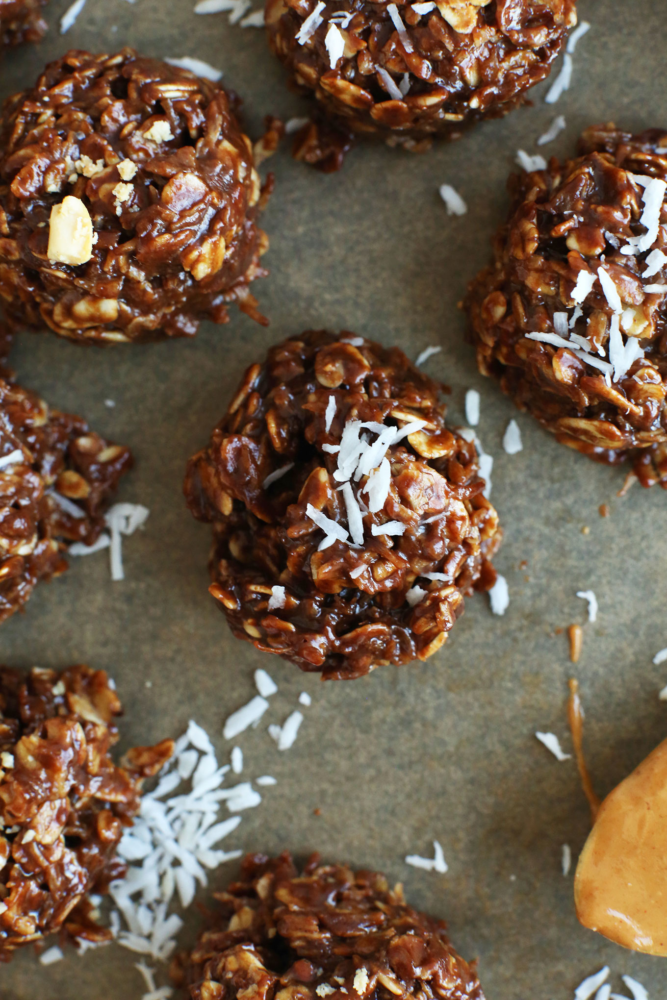 AMAZING-No-Bake-Cookie-Recipe-with-Shredded-Coconut-Naturally-sweetened-and-SO-delicious-vegan-glutenfree-cookies