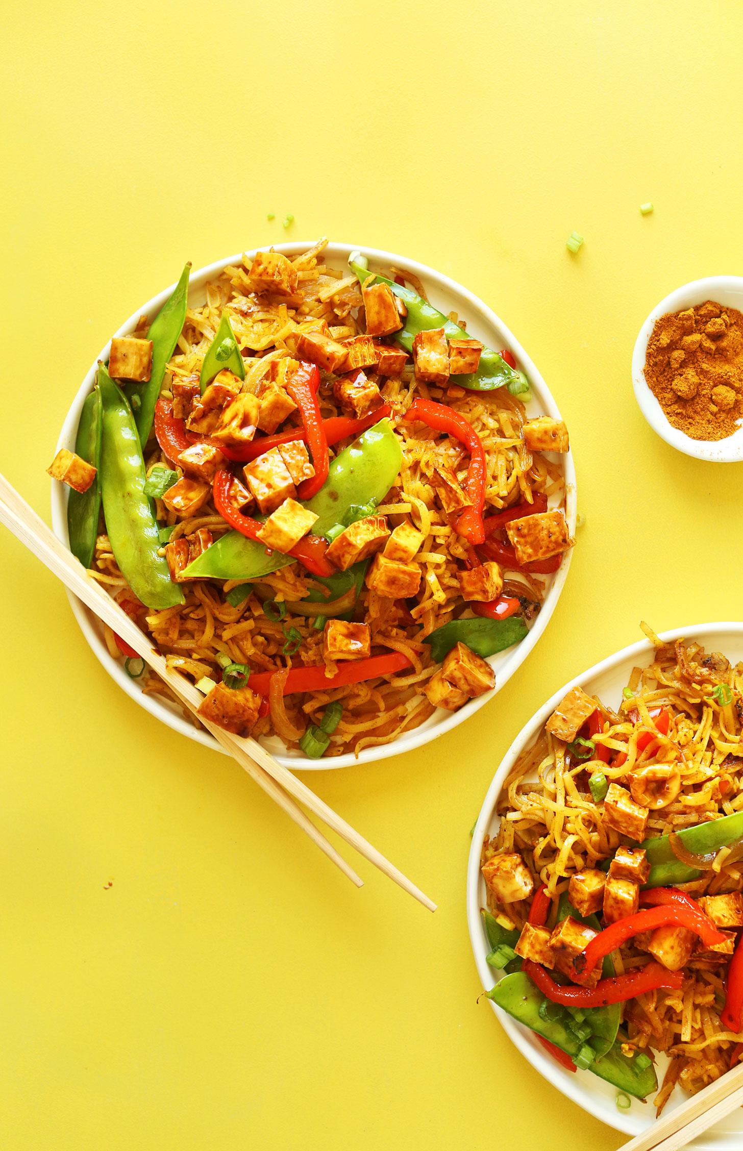 Vegan-Singapore-Noodles-10-ingredients-simple-ingredients-SO-flavorful-vegan-glutenfree-noodles-recipe-healthy