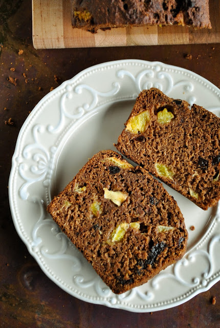 Vegan banana gingerbread loaf with orange and plums (sugar free) 4