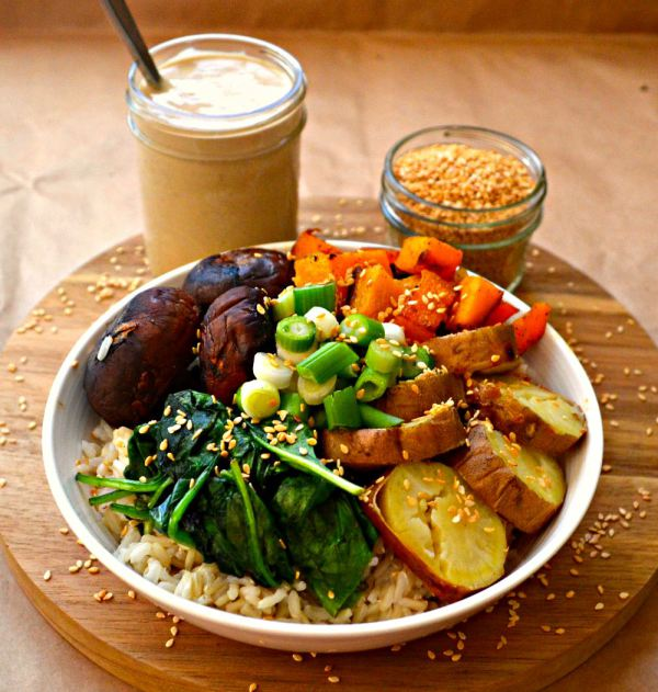 30 delicious vegan dinner recipes for happy tummies vegan food 5 buddha bowl with roasted garlic forumfinder Images