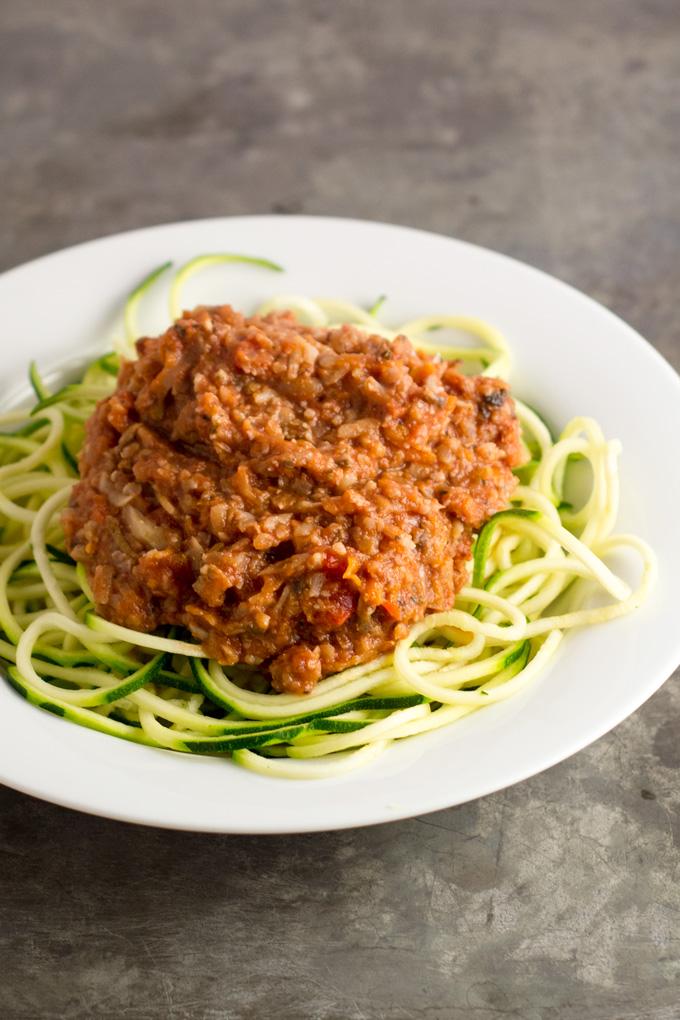 vegetable-bolognese-vegan-zucchininoodles-zoodles-2
