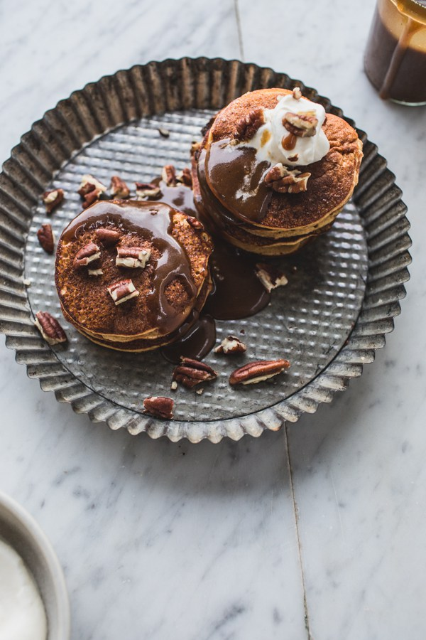 Sticky-Toffee-Pudding-Pancakes-040