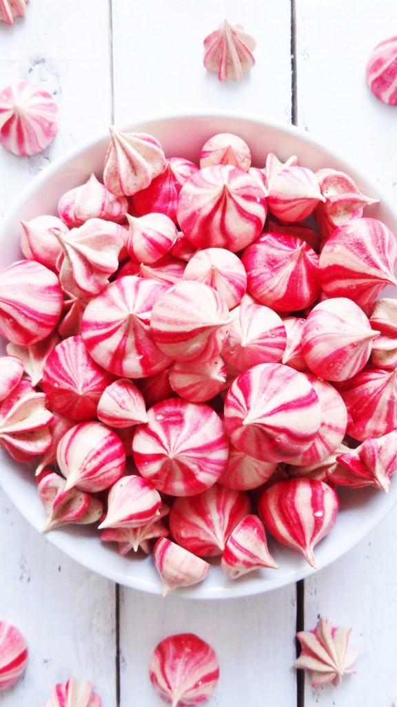 striped-raspberry-meringues