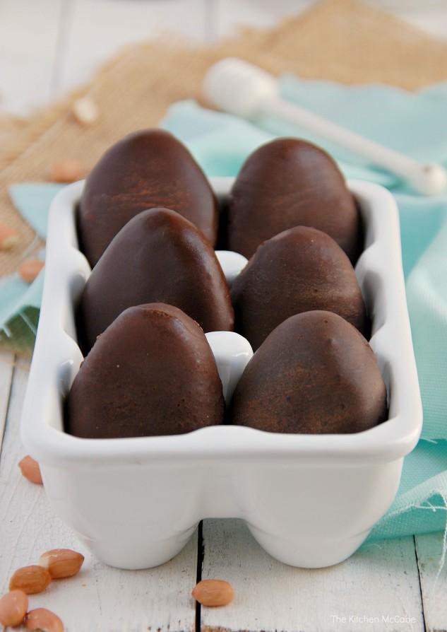 Raw-Vegan-Peanut-Butter-Eggs-3-633x894
