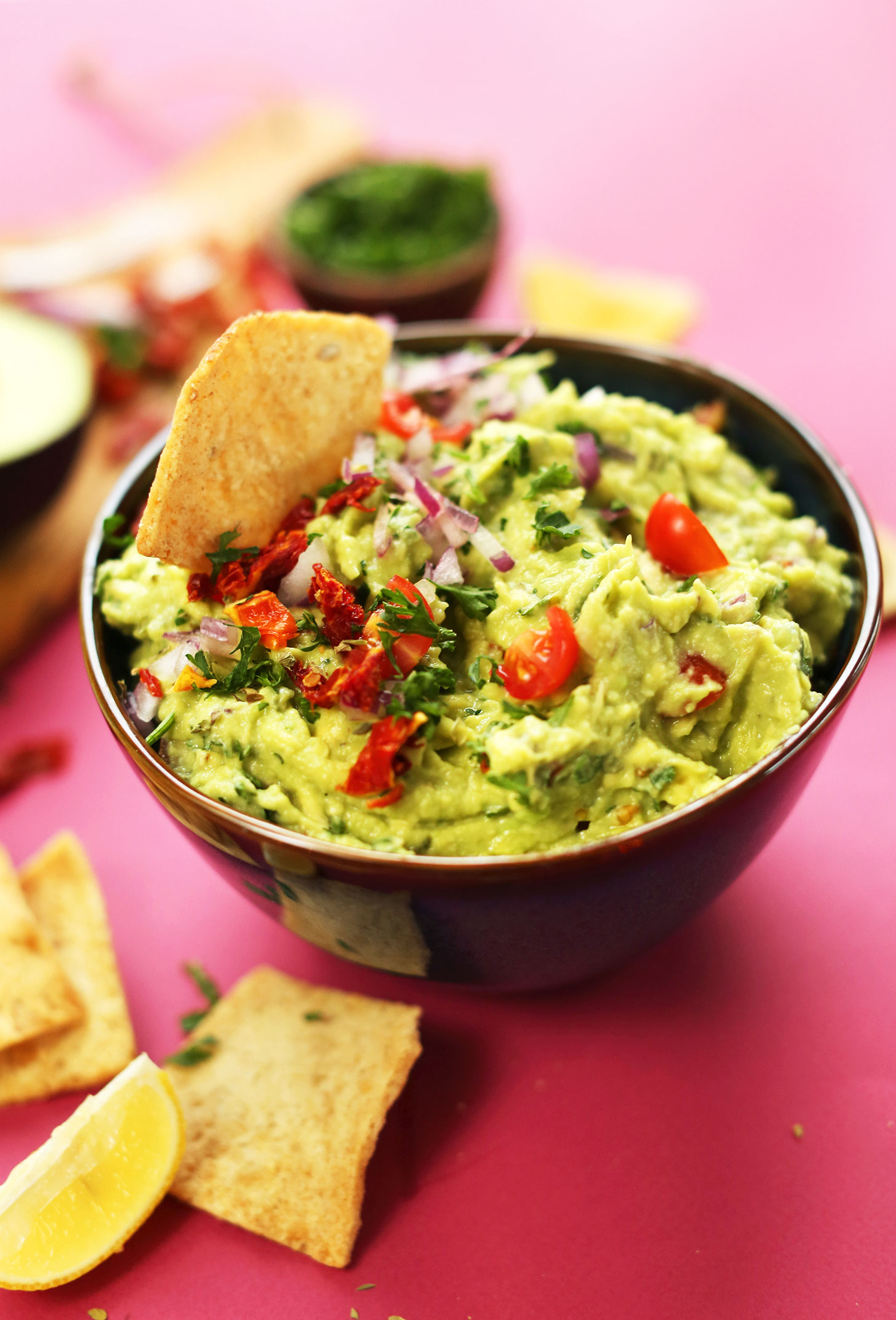 10-minute-CRAZY-delicious-Greek-inspired-GUACAMOLE-with-sun-dried-and-fresh-tomato-red-onion-lemon-juice-and-oregano-A-healthy-nutritious-snack-vegan-plantbased-glutenfree-guacamole-recipe