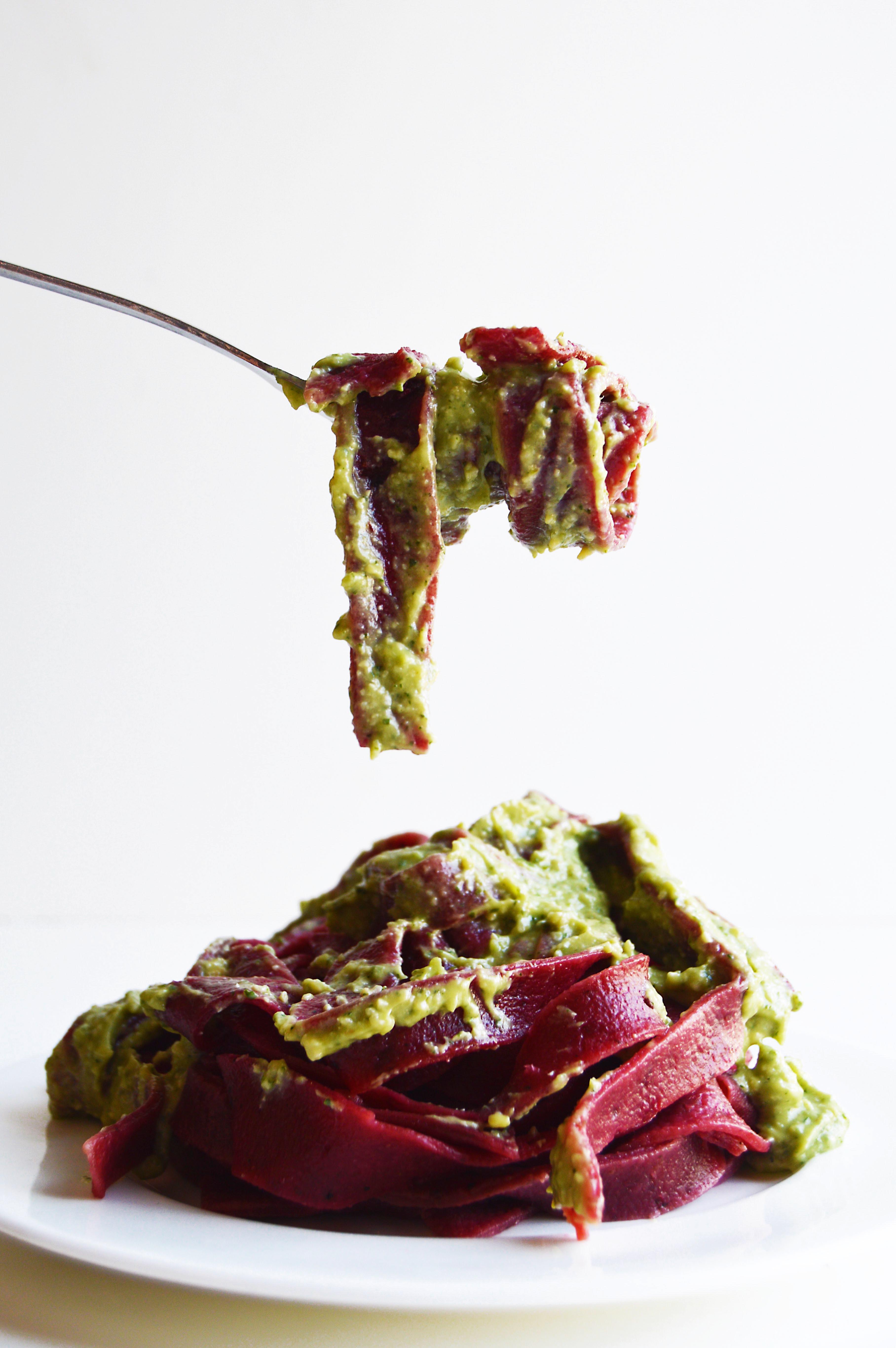 vegan-beetroot-pasta-avocado-pesto-5.2 (1)