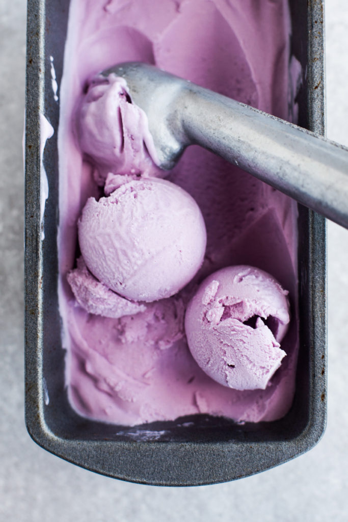 Coconut-Ube-Ice-Cream-vegan-paleo-2-683x1024