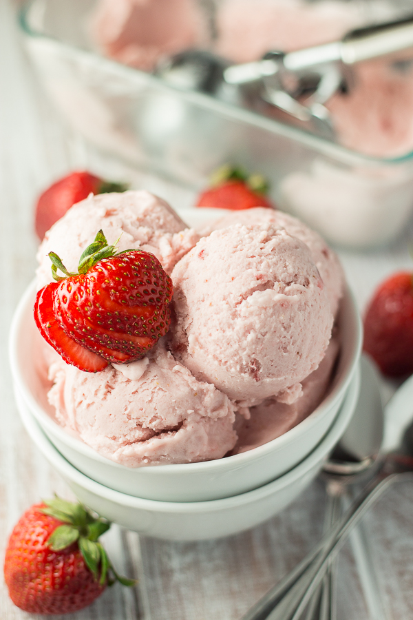 Vegan-Strawberry-Coconut-Ice-Cream-3