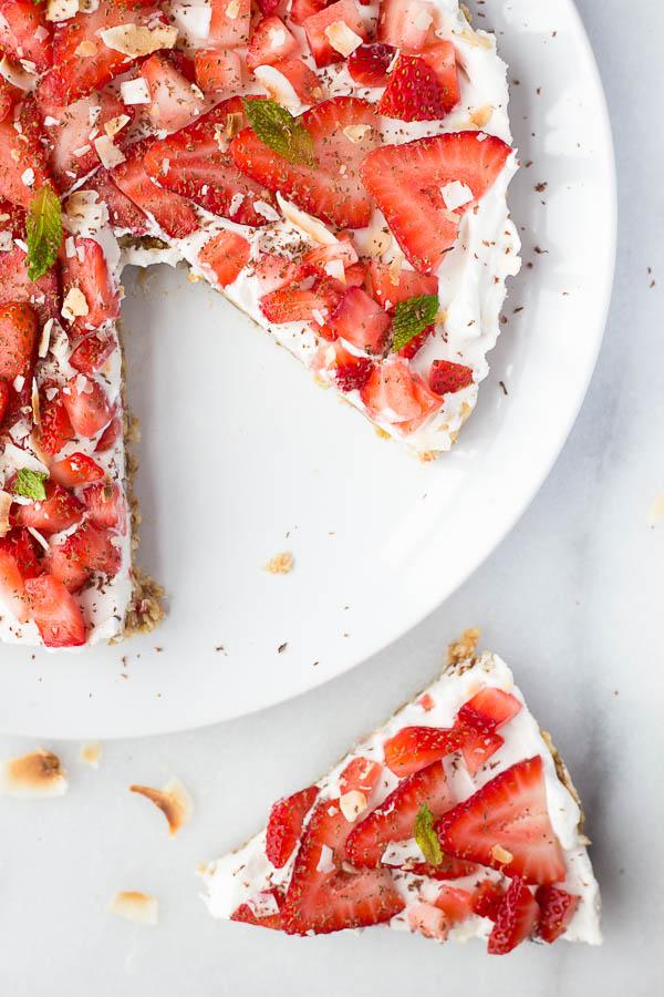 vegan-strawberry-coconut-cream-pie-16