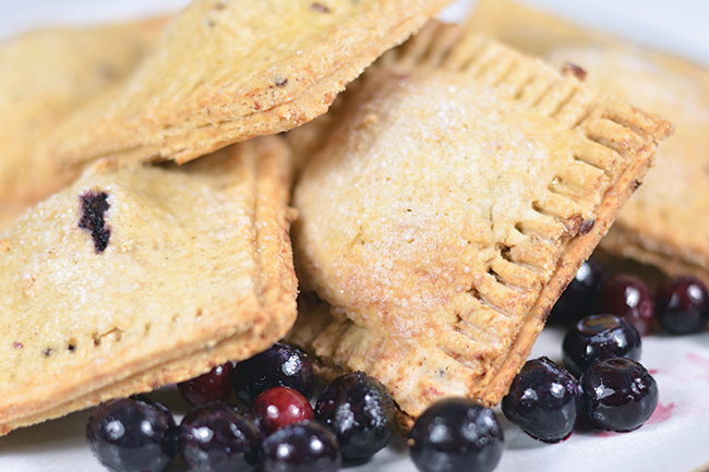 Who needs pop tarts when you can have these wonderful blueberry breakfast bars instead?