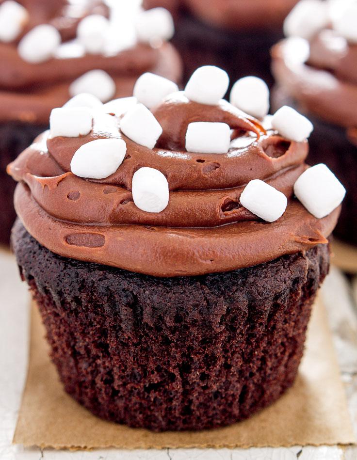 gluten-free-hot-chocolate-cupcakes-marshmallow-fluff-filling