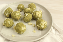 Matcha, almond and macadamia balls