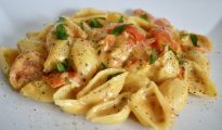 dairy-free cheese and tomato pasta