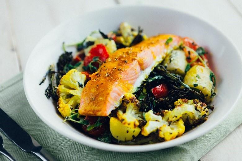 Salmon salad bowl recipe