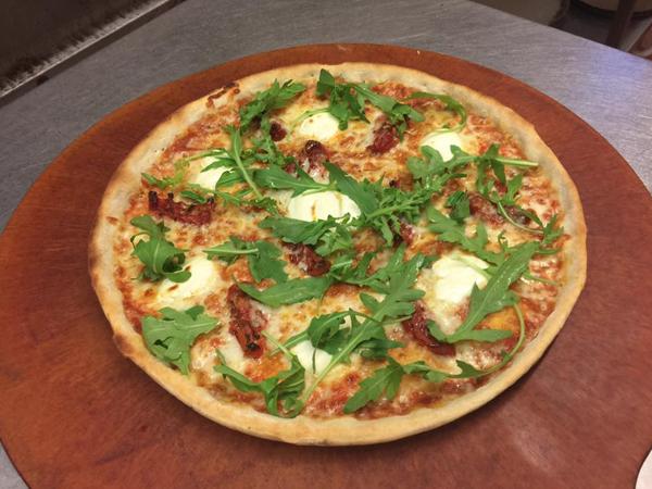la cucina gluten-free pizza