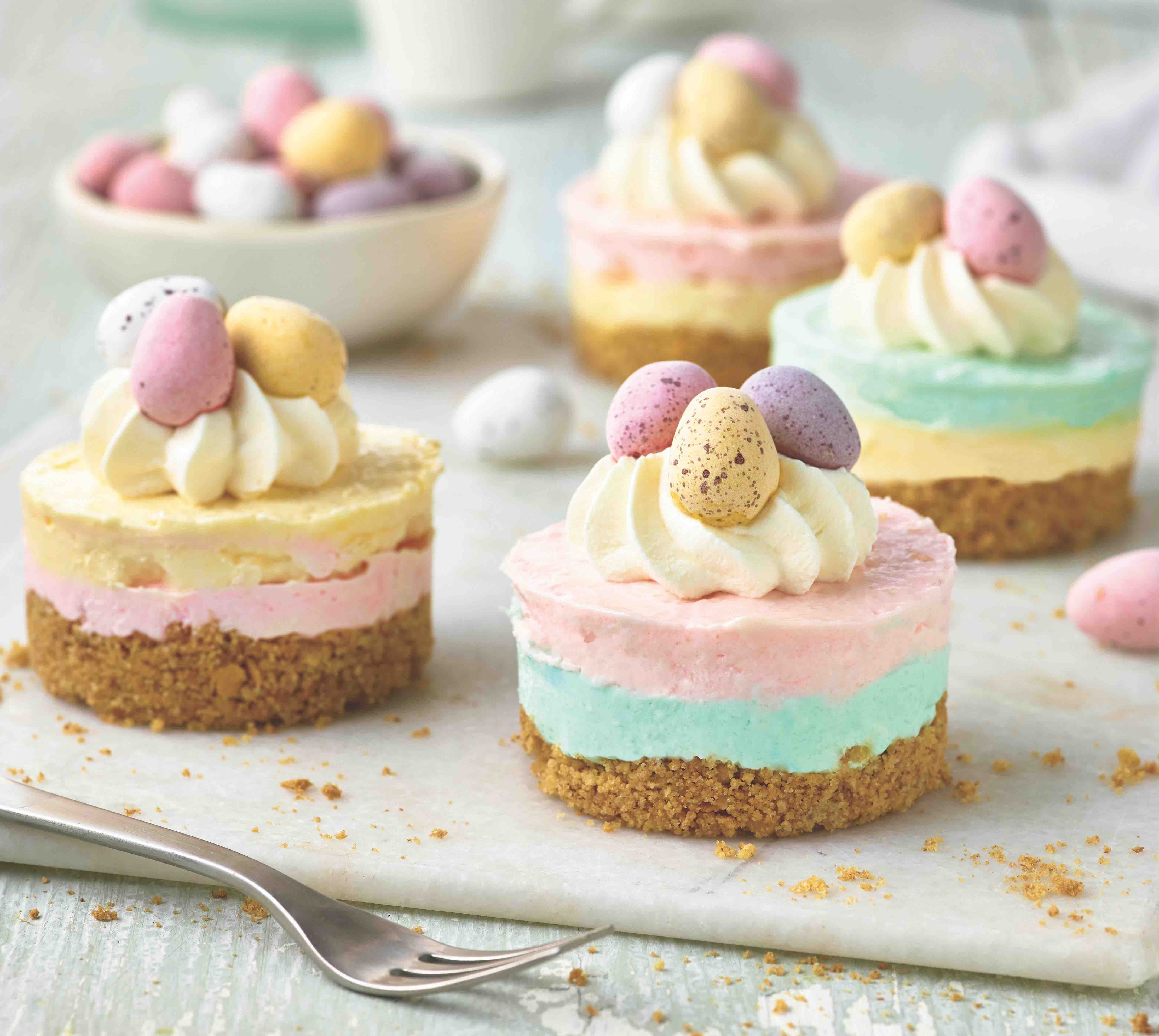 Mini-striped Easter cheesecakes