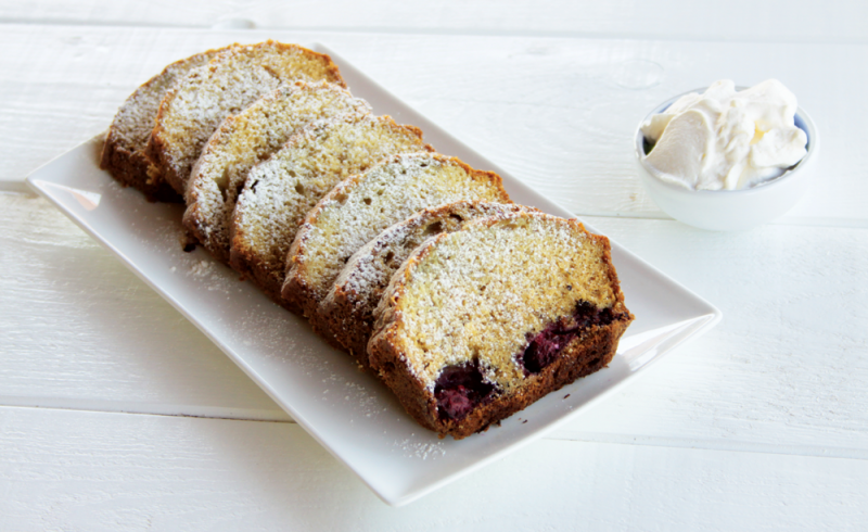berry loaf cake