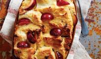Gluten-free plum panettone pudding