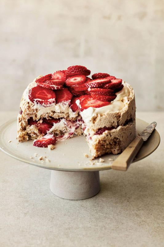Strawberry & hazelnut meringue cake